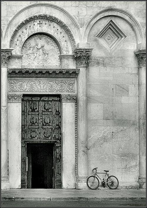 """фото """"Прихожанин"""" метки: архитектура, черно-белые, пейзаж,"""