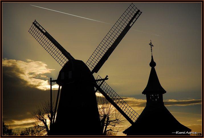 "фото ""wind mill and church"" метки: архитектура, пейзаж, закат"