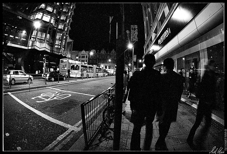 "photo ""*** / London."" tags: architecture, black&white, landscape,"