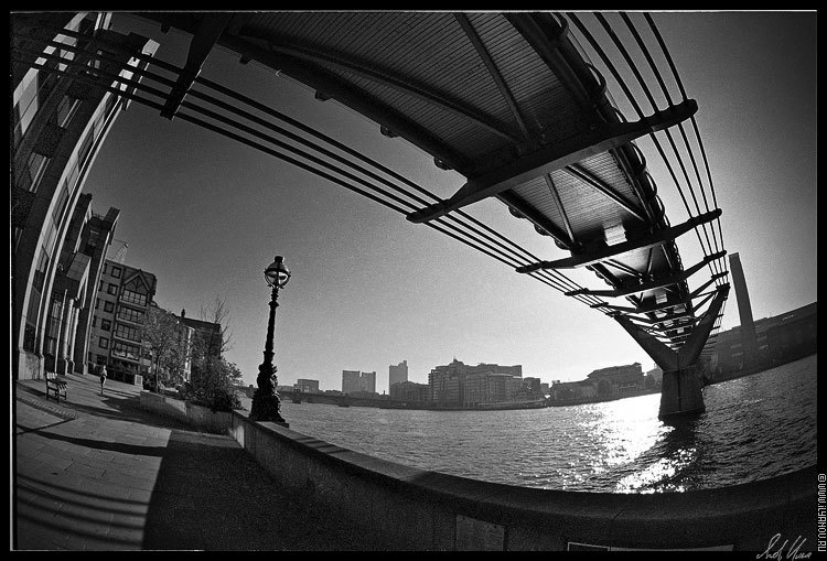 "photo ""London / Millenium Bridge"" tags: architecture, black&white, landscape,"