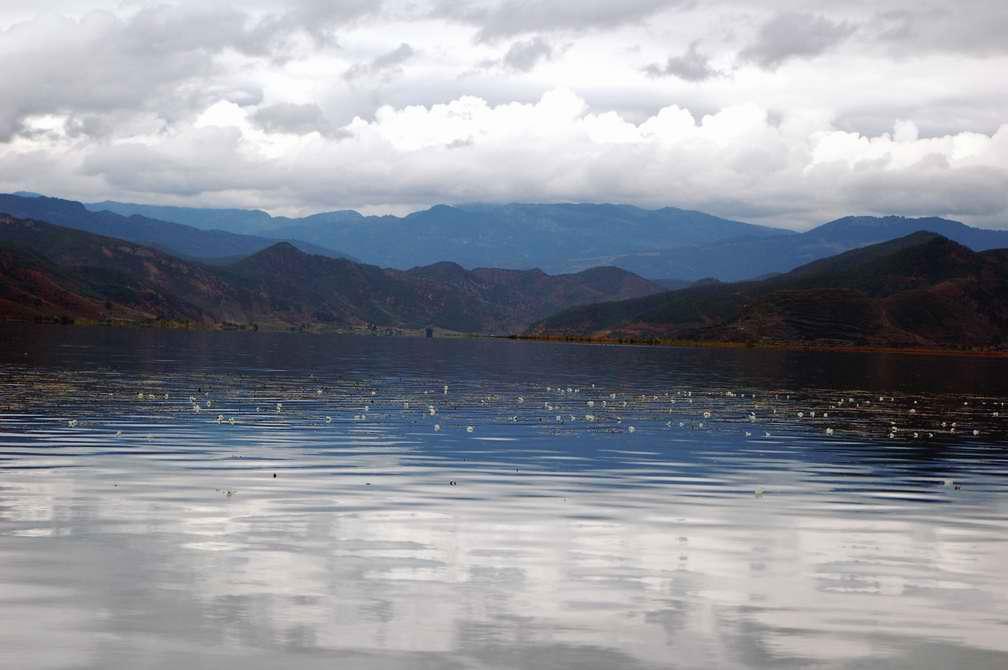 "фото ""Lugu Lake"" метки: пейзаж, путешествия, Азия, вода"