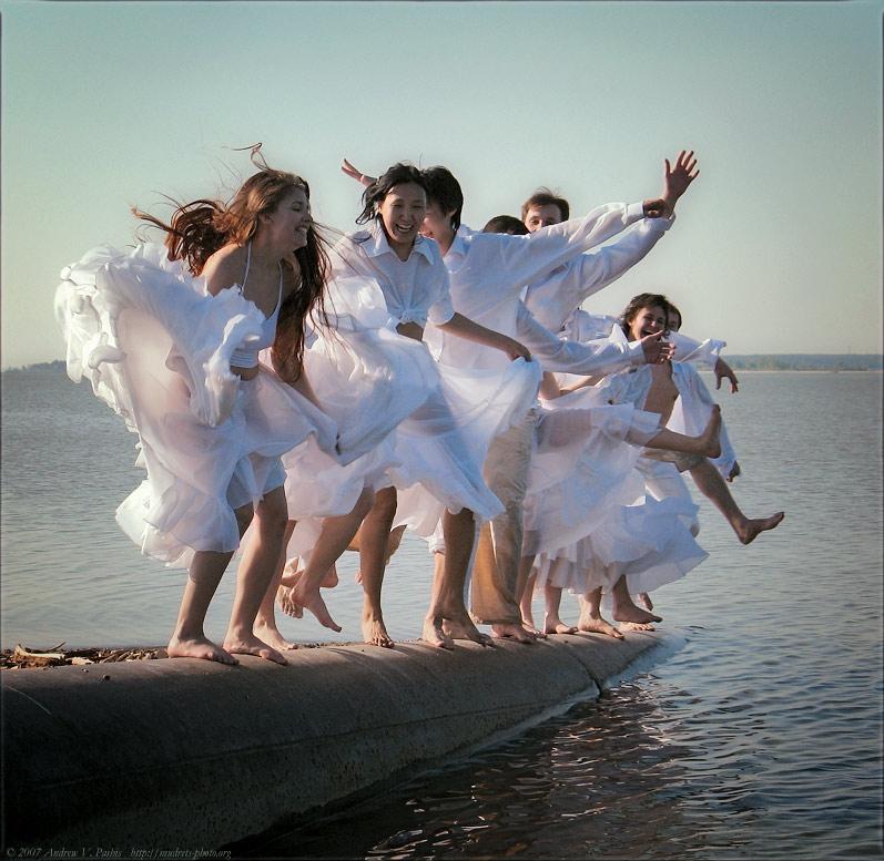 танцующие у моря фото капуста является необычным