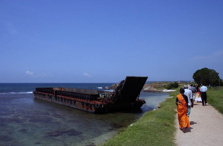 "photo ""Barge, Galle fort, Sri Lanka"" tags: landscape, travel, Asia, water"