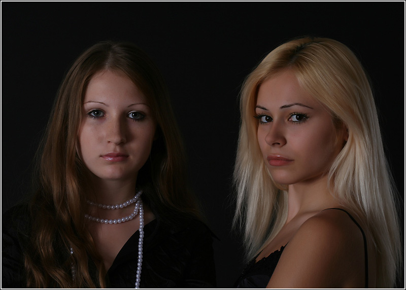 "photo ""Girlfriends"" tags: glamour, portrait, woman"