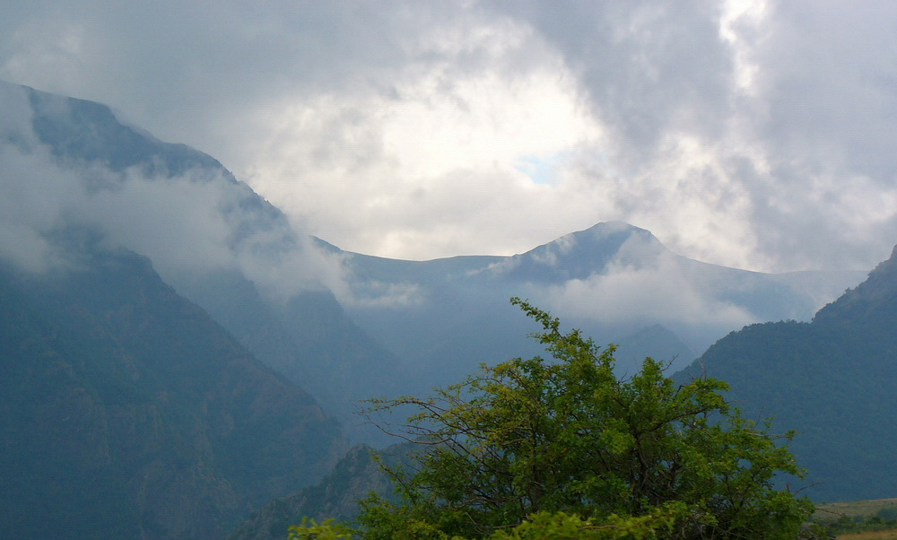 "photo ""After the rain..."" tags: landscape, clouds, mountains"