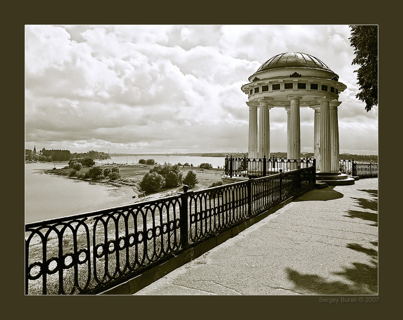 "photo ""Rotunda"" tags: architecture, black&white, landscape,"