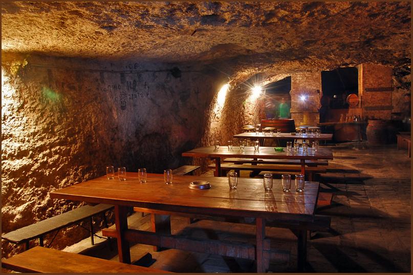 """photo """"Cave bar"""" tags: interior,"""