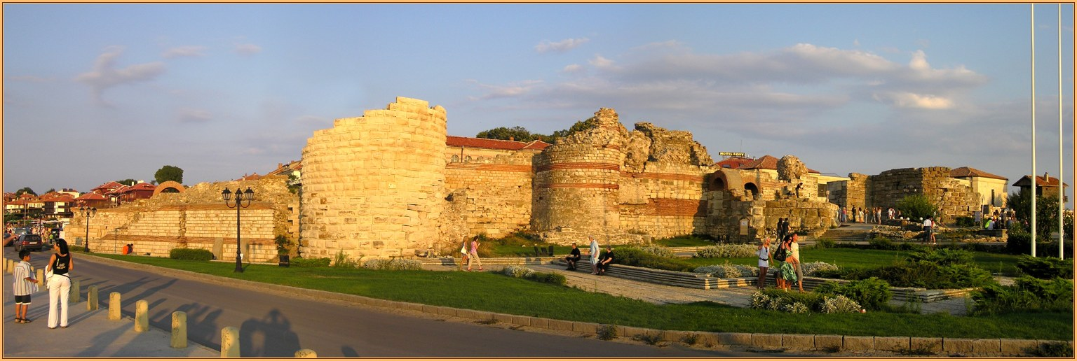 "photo ""Nessebar - Western fortress wall"" tags: travel, panoramic,"