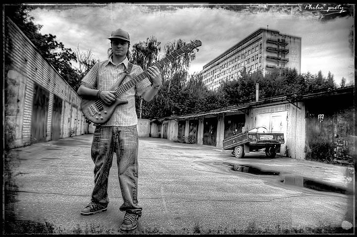 """фото """"5 String"""" метки: портрет, жанр, мужчина"""