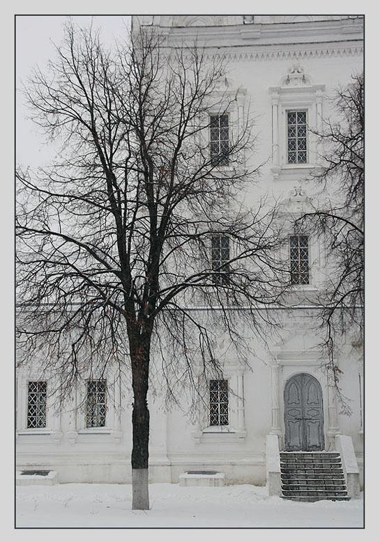 "photo ""No one comes..."" tags: architecture, landscape, winter"
