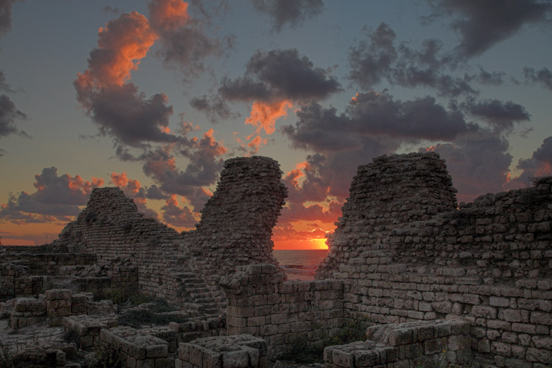 "photo ""Sunset on ruins of ancient fortress"" tags: landscape, clouds, sunset"