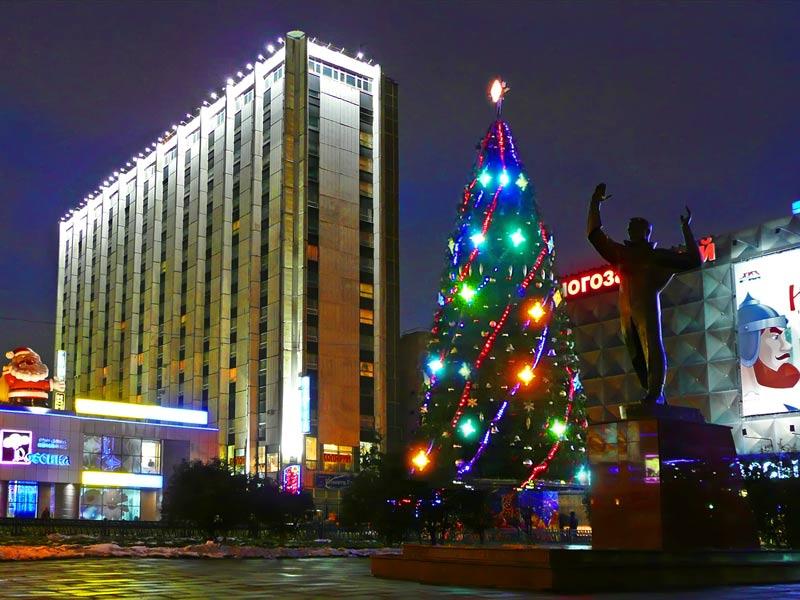 """фото """"Ёлка у метро проспект Вернадского , МОСКВА"""" метки: ,"""