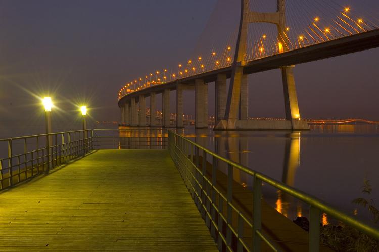 """фото """"Vasco da Gama Bridge"""" метки: пейзаж, вода"""