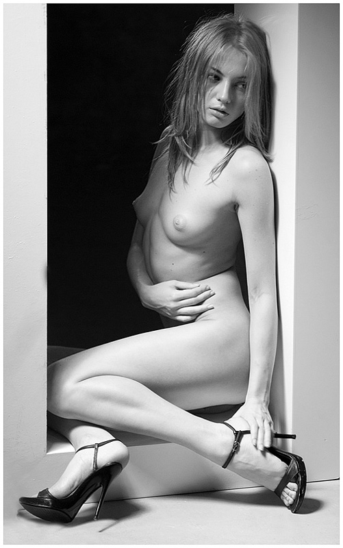 "photo ""Within the framework of decency ..."" tags: black&white, nude,"