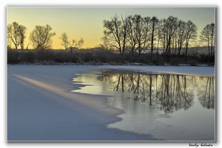 "photo ""The first beam"" tags: landscape, water, winter"