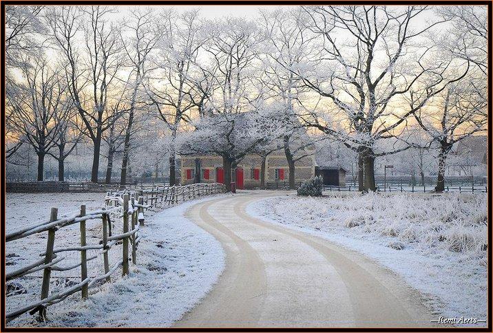 "фото ""red windows"" метки: архитектура, пейзаж, зима"