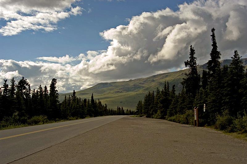 "фото ""Road to the little green valley.jpg"" метки: пейзаж,"