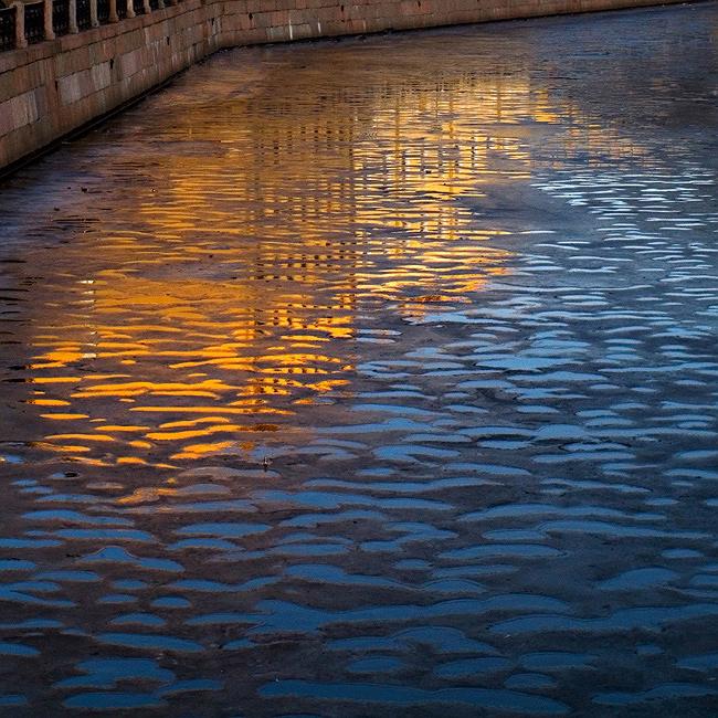 """фото """"весенне-зимнее отражение в реке Мойке"""" метки: город,"""
