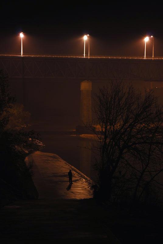"фото ""Alone in the river"" метки: ,"