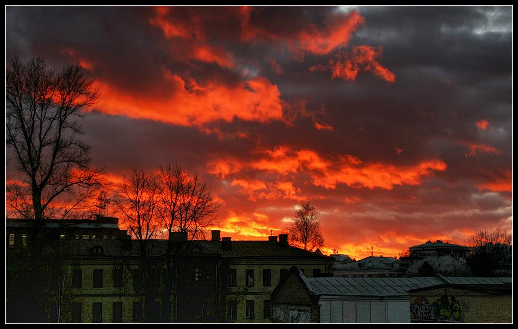 """фото """"Катаклизм. Небо естественное"""" метки: пейзаж, город, облака"""