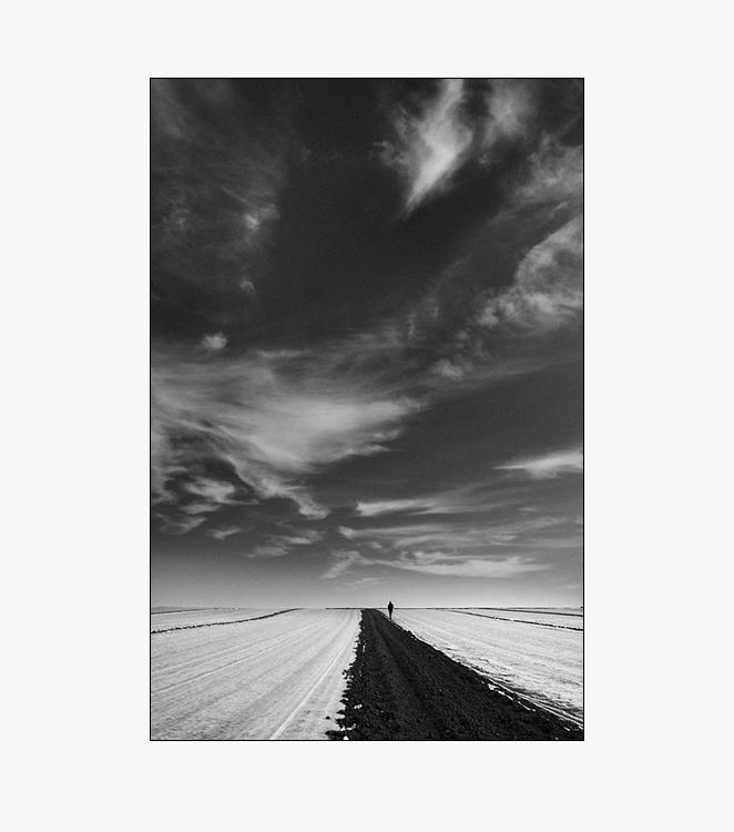 """фото """"walkin' alone"""" метки: абстракция, черно-белые,"""