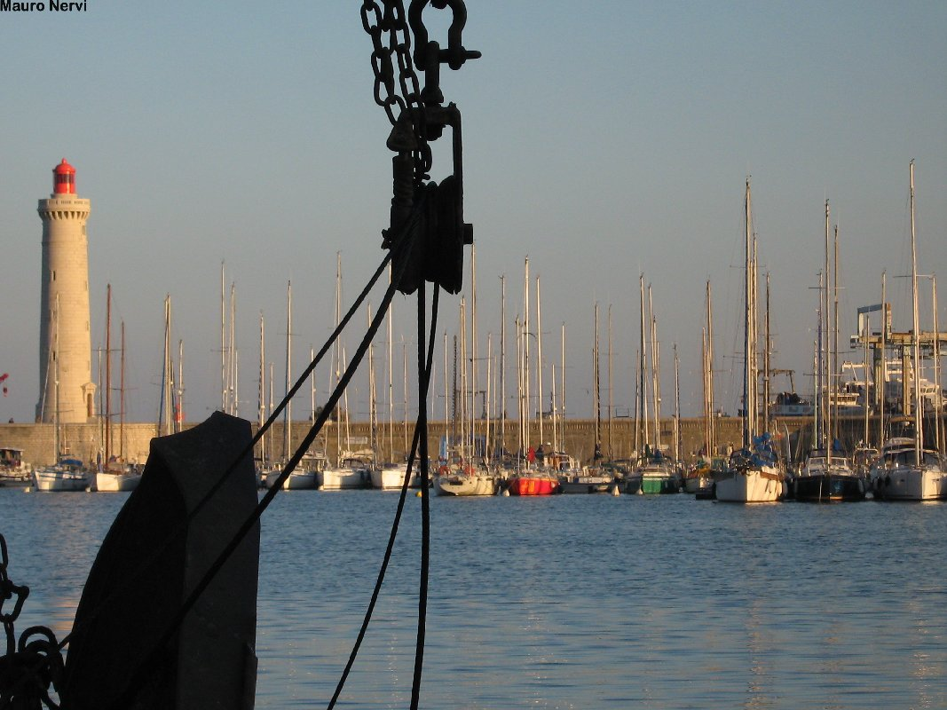 "photo ""corner of a port"" tags: landscape,"