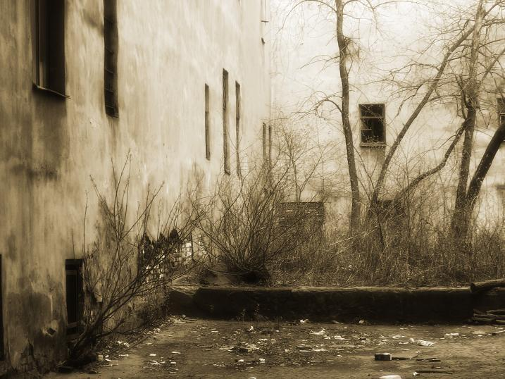 """фото """"старый двор"""" метки: пейзаж, город, осень"""