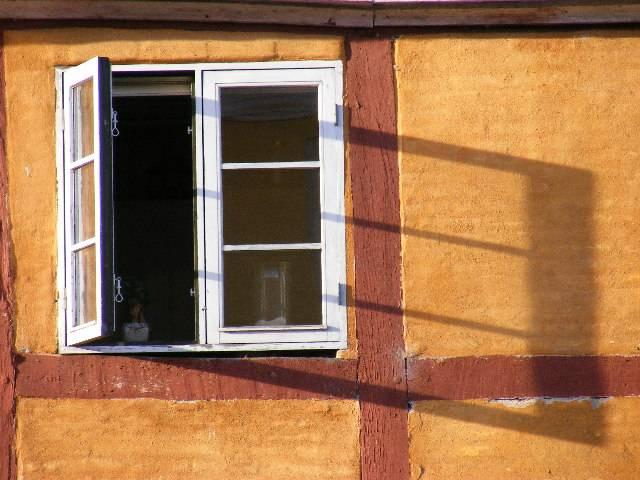 """фото """"Window and shadow."""" метки: репортаж,"""