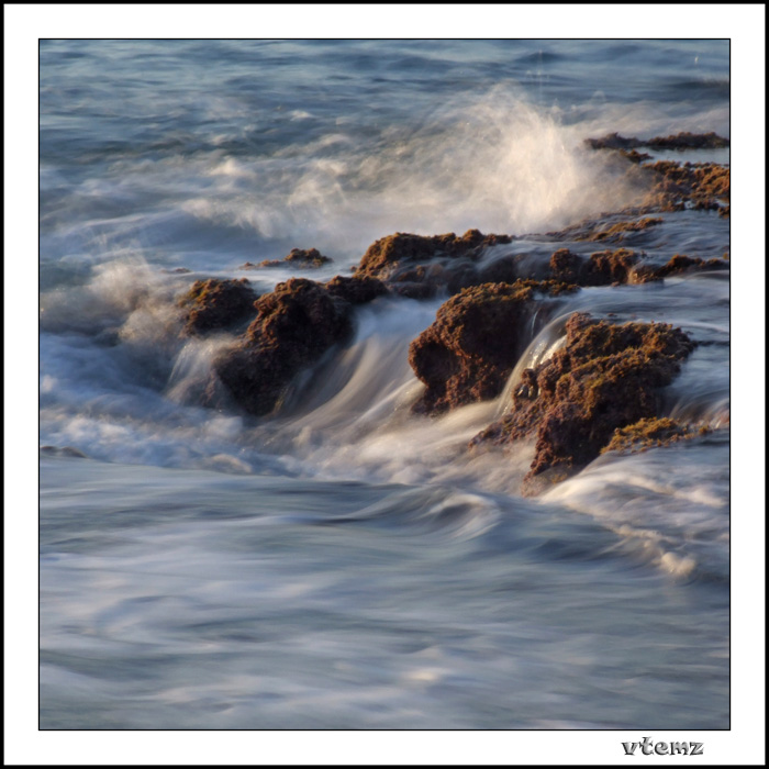 "photo ""Waves"" tags: landscape, water"