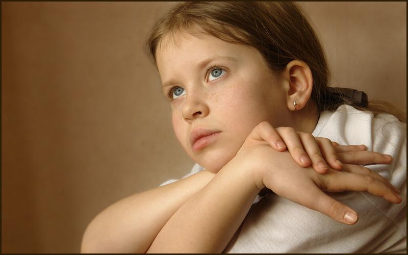 "photo ""etude with hands"" tags: portrait, children"