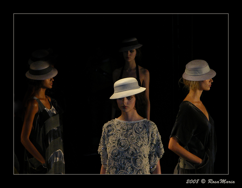 "photo ""Sao Paulo Fashion Week 2008"" tags: travel, reporting, South America"