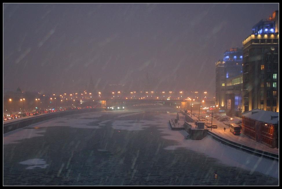 "фото ""Москва. Кремль. Снегопад"" метки: ,"