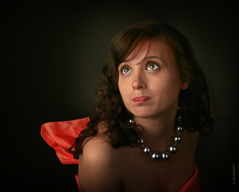 "photo ""More red"" tags: portrait, glamour, woman"