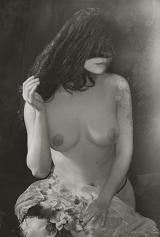 "photo ""***"" tags: black&white, nude,"