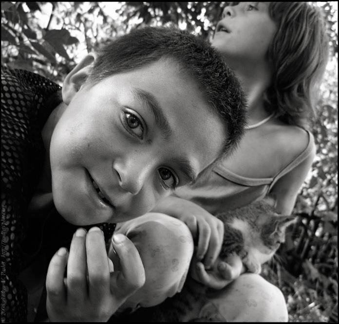 "фото ""семечки"" метки: портрет, черно-белые, дети"