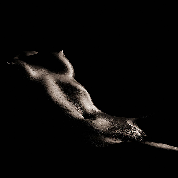 "photo ""Flow"" tags: nude, black&white,"