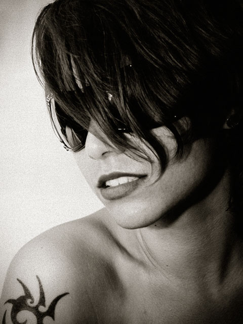 "photo ""GinPartyRevisited"" tags: portrait, black&white, woman"