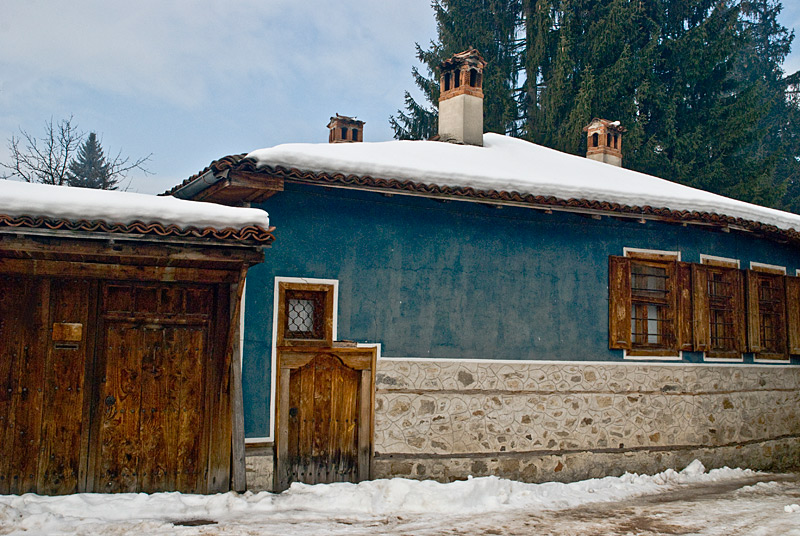 "photo ""An Old House"" tags: architecture, landscape,"