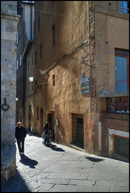 "photo ""A street in Siena"" tags: architecture, city, landscape,"