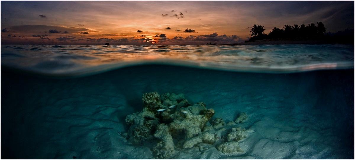 "photo ""Decline on a desert island"" tags: landscape, sunset, water"