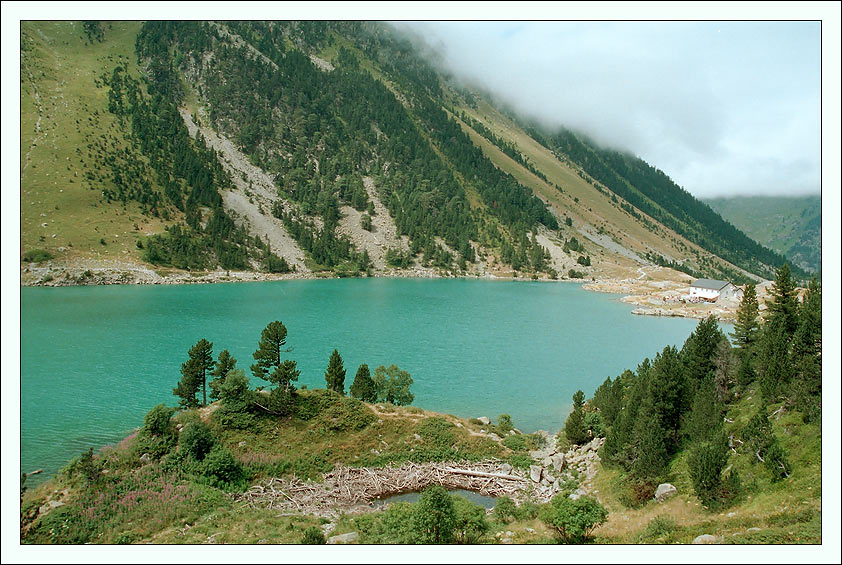 "photo ""Lac de Gaube. France. Pyrenees."" tags: travel, landscape, Europe, mountains"