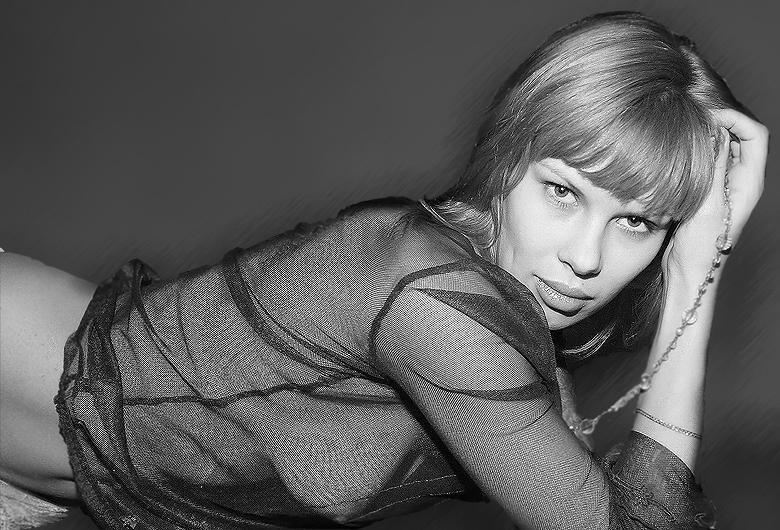 "photo ""Anna"" tags: portrait, glamour, woman"