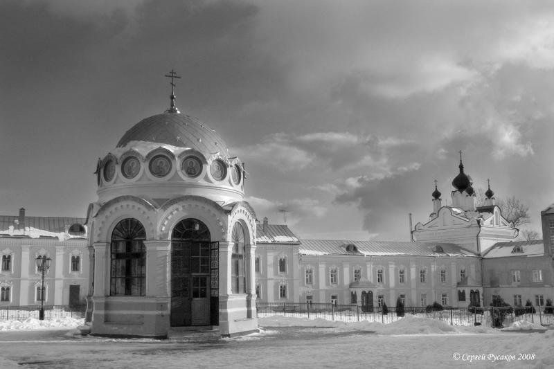 "фото ""Монастырское подворье"" метки: архитектура, пейзаж,"