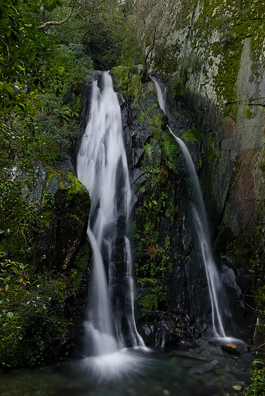 "photo ""Fraga da Pena's waterfall"" tags: landscape, water"