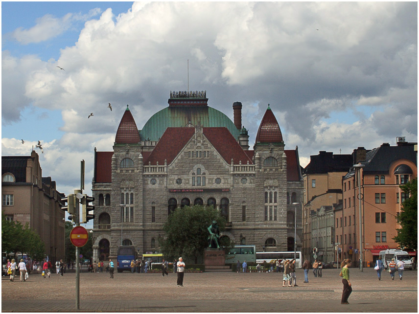 "photo ""Walking through the Helsinki"" tags: travel, city, Europe"