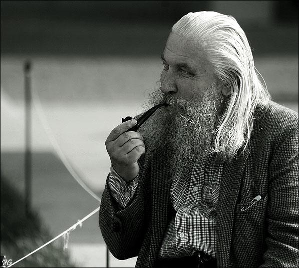 "фото ""человек курящий трубку."" метки: портрет, мужчина"