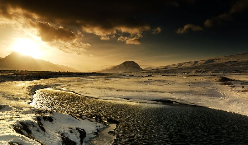 "photo ""Iceland..."" tags: landscape, winter"