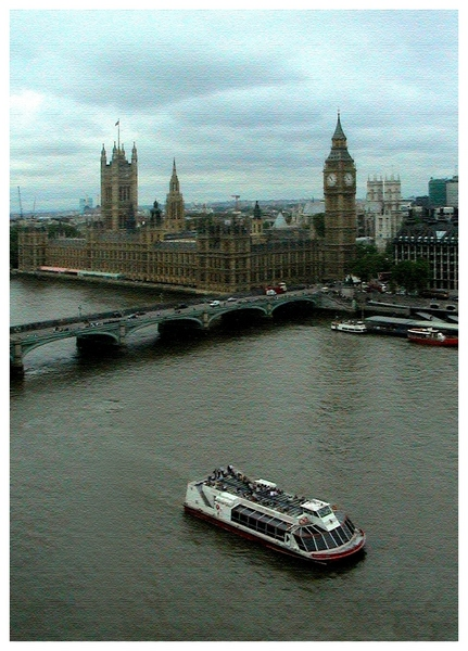 "photo ""Flight above Thames"" tags: architecture, travel, landscape, Europe"