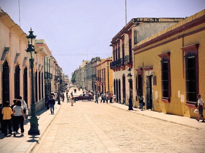 "photo ""Oaxaca street"" tags: travel, city,"