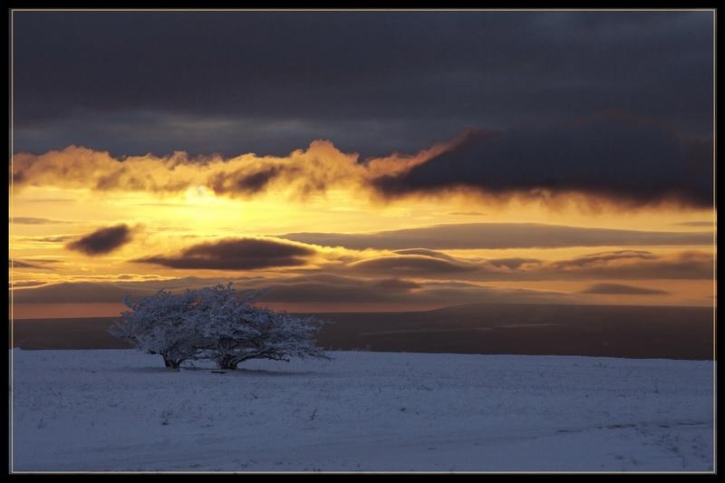 "photo ""* * *"" tags: landscape, sunset"